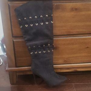 Shoe dazzle tall boots heels
